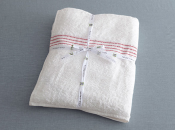 【Fair+Green Cotton バスタオル】  フェアトレードオリジナル社の製品で100%オーガニックコットン使用のバスタオル。赤ちゃんでも安心して使える触り心地抜群のバスタオルです。