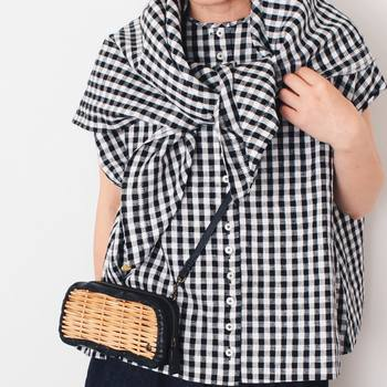 上品で可愛らしい白×黒のギンガムチェックは、落ち着いた雰囲気のコーデがつくれるので、大人の女性にもおすすめです♪