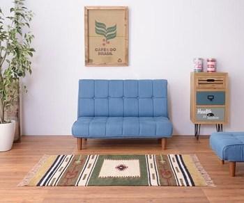 渋過ぎず柔らかな印象を保ったアメリカン・ヴィンテージ風のお部屋。小ぶりで狭いお部屋にも取り入れやすいサイズ感がうれしいソファです。 ▷アメリカンレトロ2人掛けソファ(デニムブルー)