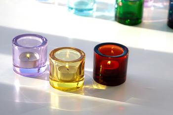シンプルなデザインだから、重厚感のあるガラスの美しさが引き立ちます。カラーバリエーション豊富だから、何色もそろえてストックしておきたい。