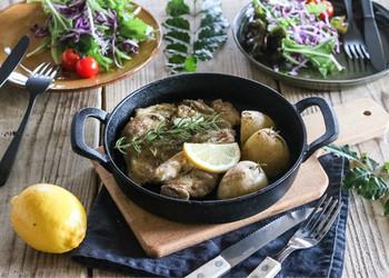 お野菜とハーブを一緒に焼き上げるだけでも、お洒落なひと皿がすぐに完成します。普段、作り慣れているお料理にも、ハーブをプラスするだけで、雰囲気の違うお料理に仕上がりますよ。