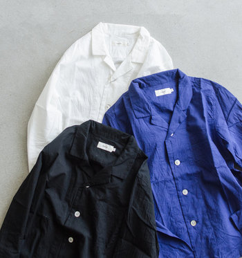 リラックスムード漂う夏の着こなしに「オープンカラーシャツ(開襟シャツ)」の大人コーデ