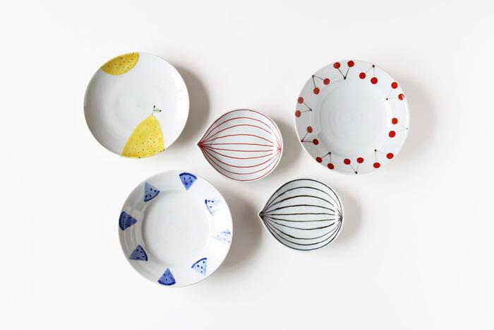 日本の伝統である九谷焼から今の食卓にぴったりの器を生み出した、日下華子さん。シンプルながらも乙女心をキュンとさせるような可愛らしさがたまりませんね。