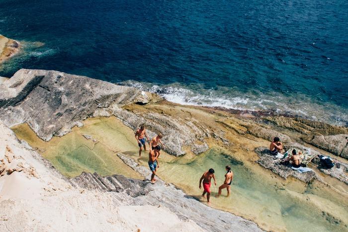 海派、山派に分かれるとしても、長期の休暇は自然に囲まれた場所で過ごすという人がスペインにはたくさんいます。ビーチ沿いや高原にセカンドハウスを持っている家族も多く、新鮮な空気を吸うことがストレスを解放しているようです。