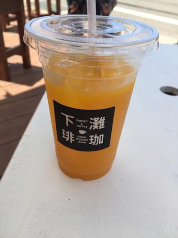 愛媛と言えばみかん!コーヒーもいいけれど名産地で飲むみかんジュースも絶品です。