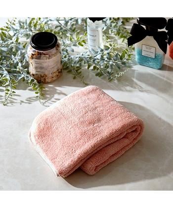 安宿では、ホテルのようにタオルが無料で置いてあるところはほとんどありません。なのでタオルの準備も忘れずに。バスタオルとフェイスタオルの2種類で十分です。おすすめは速乾性に優れたもの。