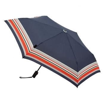 ドイツの老舗の傘メーカー「knirps クニルプス」社製の折畳み傘。こちらの TS220は、約300gの軽量デザインで6本骨のスリムなボディとなっています。ネイビーカラーに落ち着いた赤のラインがレトロで素敵ですね。