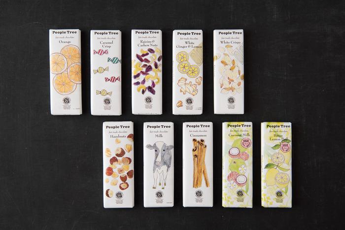 可愛らしいパッケージデザインに合わせてフレーバーも全10種類あり、画像上段左から、オレンジミルク、カラメルクリスプ、レーズン&カシューナッツ、ホワイトジンジャー&レモン、ホワイトクリスピー、画像下段左から、ヘーゼルナッツ、ミルク、シナモン、ココナッツミルク、ビター レモンピールとなっていて、全て制覇したくなりそう。