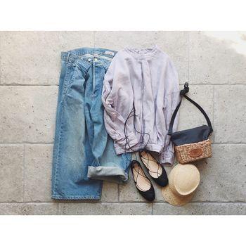 夏は暑さで汗をかいたりで、他の季節よりも荷物は少なめで動きたいという方も多いのではないでしょうか?そんな方には、貴重品がすっぽり入るぐらいのコンパクトなサイズ感のミニバッグがおすすめ。