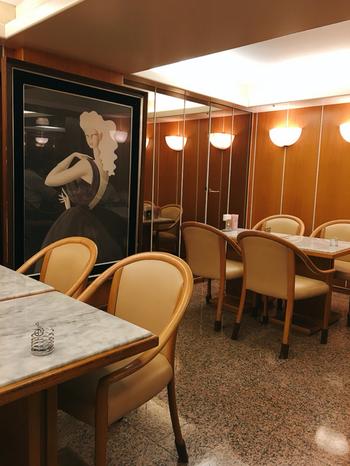 店内も昭和レトロな雰囲気が溢れ、カフェというよりも「喫茶店」というグルーピングが似合いそうです。