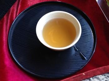 ここでは200年もの歴史がある茶釜で沸かしたほうじ茶をいただくことができるのです。どれほどの歴史を感じられるのか、飲んでみたくなりますよね。