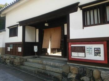 重要文化財にも指定されている「今西家書院」は、歴史的建造物ではありますが、喫茶の利用ができる観光スポットです。近鉄奈良駅から徒歩約15分でアクセスできます。