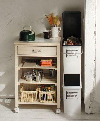 こちらは縦に並べる事ができるので、キッチンの隙間にも置く事ができるのが嬉しいですね。