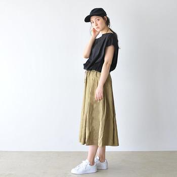ミモレ丈スカートの着こなしをご紹介しました。いかがでしたか?小柄な方でも取り入れやすいミモレ丈スカートは、一枚持っておくと着こなしの幅が広がる万能アイテム♪今回ご紹介したコーデを参考に、今年の夏はミモレ丈スカートのオシャレを楽しんでみてくださいね。