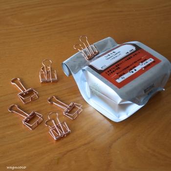 使いかけのお茶や乾物、食べかけのお菓子など・・・ちょっとオシャレなピンチを使えば可愛らしく保存できます。