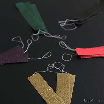 さて、短冊に願い事を書くようになったのは、「織姫」が機織りがとても上手だったことから、それにあやかって縫製や芸能、書道などの上達を願うようになり、今のようにさまざまなお願いをするようになったそうです。(諸説あります)