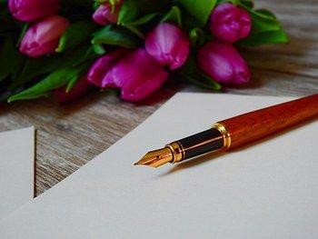 メールやラインなど、メッセージをやり取りするのはもっぱらスマートフォンが主流の今、手書きの手紙を書いたのはいつのことでしょうか? たまには手書きの手紙を送ってみるのも大人の楽しみ方。万年筆を使えば、表情豊かに気持ちを文字に乗せることができて素敵ですよ。
