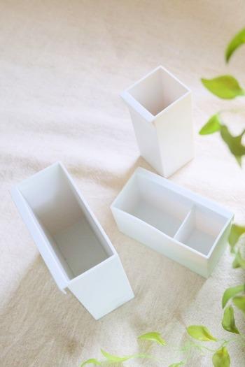 タイプは、「ポケット」「ペンポケット」「仕分けポケット」の3種類。それぞれファイルボックスに引っ掛けて使うことができます。