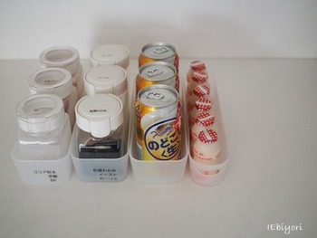 他にも、同じ大きさの保存瓶に入れた乾物や粉末類、市販のドリンクを収納するという使い方も!