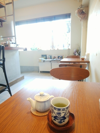 コーヒーショップ激戦区である清澄白河で、日本茶がいただけるのは珍しいですよね。上品な湯飲みに注がれた濃いめの煎茶は、暑い日でも清涼感を感じます。