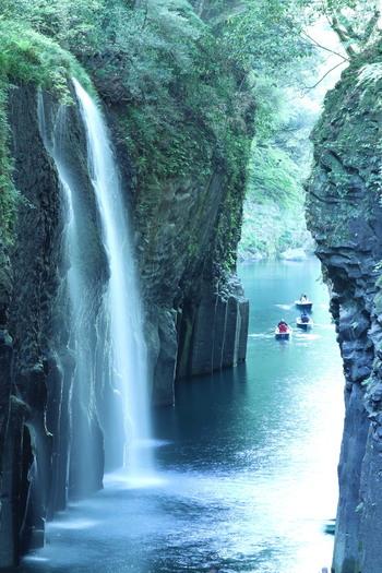 海・山など豊かな自然に恵まれた九州には、今回ご紹介したスポット以外にも素敵な場所がたくさん!今年の夏休みの旅行の参考にしてみてくださいね。