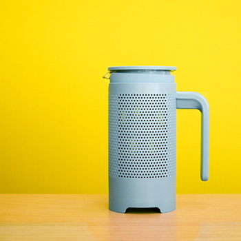 ドリッパーを使う淹れ方よりも簡単にコーヒーを淹れられる、コーヒープレス。紅茶を淹れるフレンチプレスと同じものです。豆の油分もそのまま淹れることができるので、より旨みや酸味を感じるコーヒーになります。
