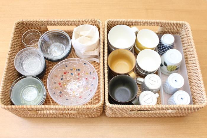 カゴの中は、さらに整理ボックスや仕切りを入れることで、引き出したときにガチャガチャ食器同士がぶつかるのも防げます。