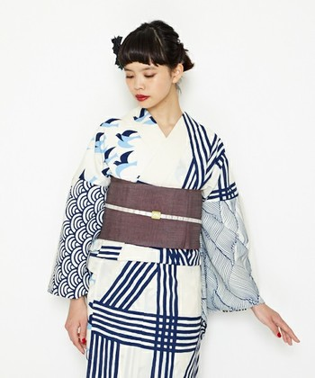 続いては、最近流行りのモダンな浴衣や着物に合わせられる個性的な帯締めをご紹介します。アクセントをプラスして、着こなしに差をつけて!