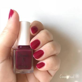 黒地の浴衣の時でも、指先や足先に赤があるだけでまたグッと艶のある雰囲気に仕上がります。