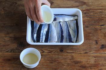 ご紹介する「なんにでも使える酢」を作る久保醸造は、鹿児島県鹿屋市で昭和7年創業。お酢の他にも醤油や味噌を作られていて、現在では食卓のニーズを考えた製品作りを積極的におこなわれています。