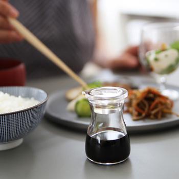 基本調味料である「さ・し・す・せ・そ」は、どれも毎日使用するものばかりです。毎日使うものだからこそ、原材料や製法にこだわったシンプルのものを使うようにしましょう。作り手の方々が手間を惜しまず作った調味料を使うことで愛着がわき、ワンランク上の料理を作れるようになりますよ♪