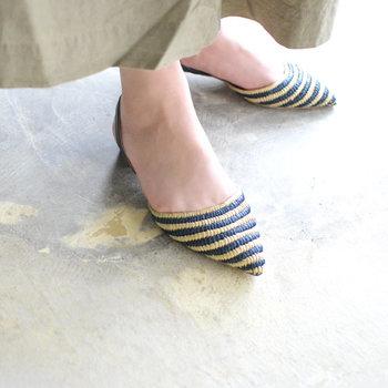 先が尖った「ポインテッド・トゥ」も、ギリシャ型には合います。 シャープなラインの靴をクールに履きこなせるのが、このタイプの良さですね。