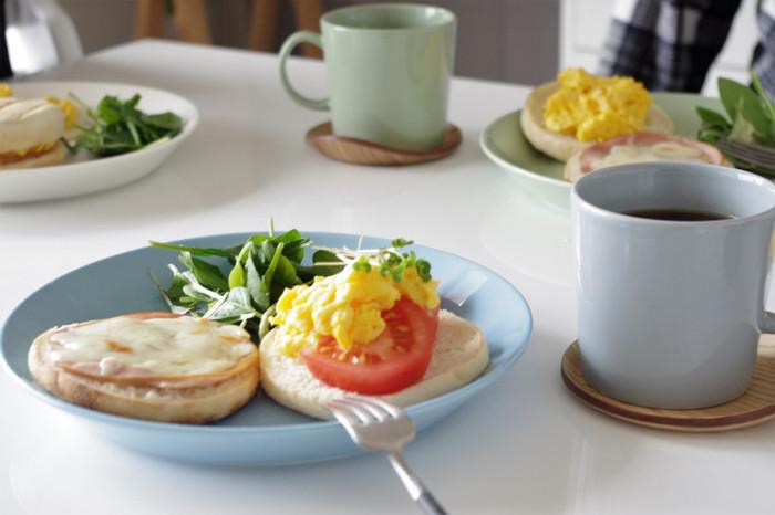 北欧生まれの美しく機能的なお皿、イッタラの「ティーマ」って?