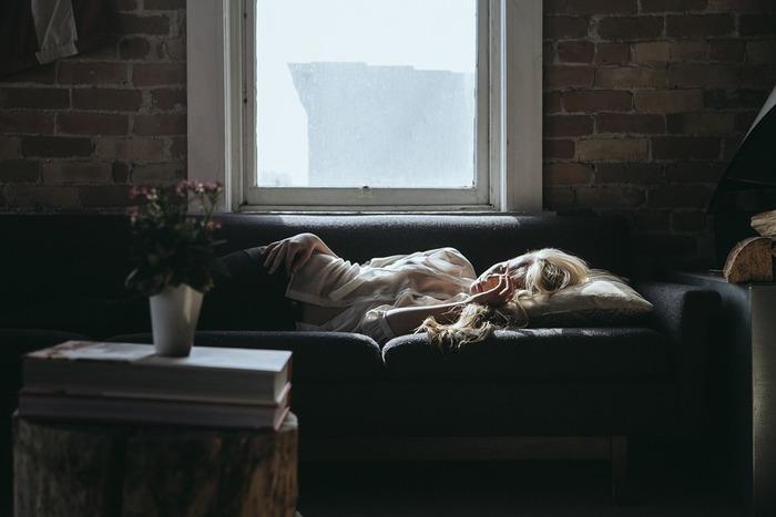 あれもこれも、やらなきゃいけないことはたくさんあるのに、出るのはため息ばかり。どうしてもっと頑張れないんだろう?そう感じる時は心まで疲れてしまっている時かもしれません。 特に、暑さが続き夏バテしやすくなる季節には体のだるさと共に心の疲労感を感じる方も多いのではないのでしょうか?