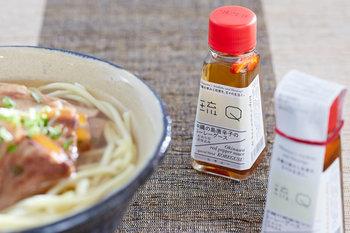 島唐辛子の辛さと、泡盛の豊かな風味が、沖縄らしい独特の味わいをもたらすコーレーグース。沖縄そばやチャンプルーはもちろん、お肉の柔らかさやうまみを引き出すために、下準備に使うのもいいそうです。