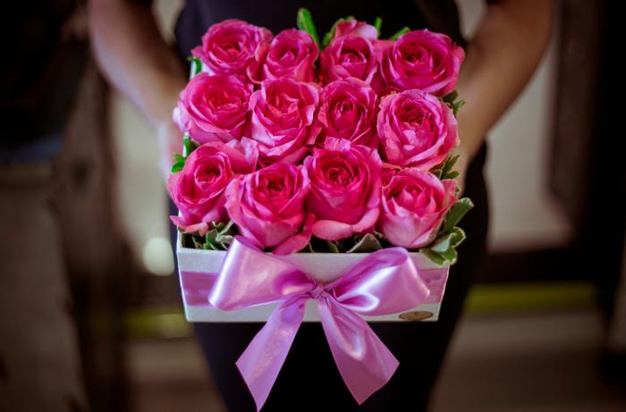 心を込めて選んだ贈りものに、趣向をこらしたオリジナルのラッピングや手紙を添え、受け取った人の心に残る贈りものにしませんか?贈った側、受け取る側のどちらにとっても、ステキな思い出になることでしょう。