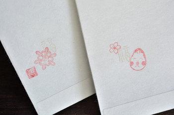 手紙や封筒にお祝いの気持ちを込めて、スタンプを押してみるのも粋ですね!スタンプを押すだけでも、印象がガラッと変わります。