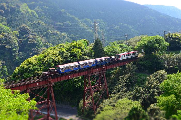 周囲を山々に囲まれた「西原村」「南阿蘇村」は、熊本の雄大な自然を体感できる場所。忙しい時を忘れ、大自然の中でのんびりとした時間を過ごしてみませんか?