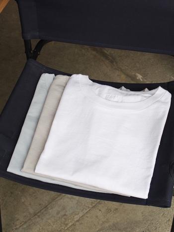 こちらではいつものコーディネートをアップデートする、Tシャツを使った素敵な大人の着こなしをご紹介していきます♪