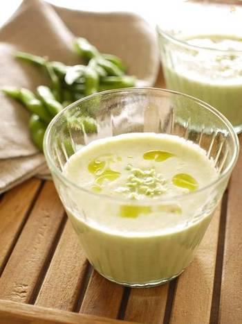 こちらは材料4つ、白だしを使った和風の枝豆スープレシピです。ミキサーを使えば5分で完成!まろやかで優しい味わいなので、朝食にもおすすめです。