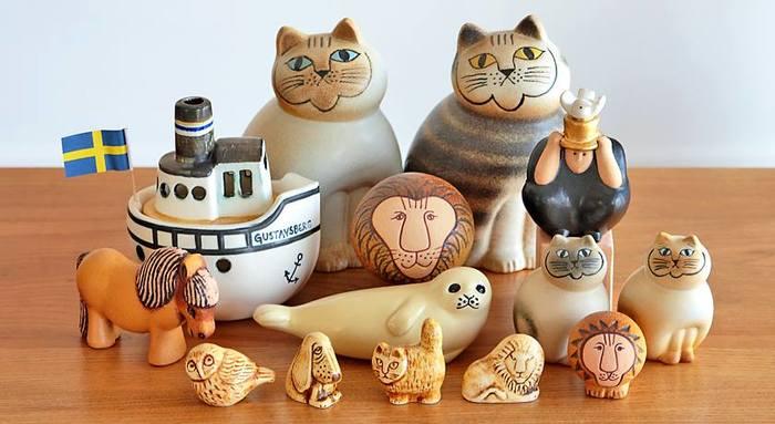 北欧スタイルの魅力、最後のひとつは、そのユニークな世界観。『ムーミン』はもちろん、日本でも大人気の陶芸家「Lisa Larson(リサ・ラーソン)」の作品は、キュートのひとことでは言い表せない不思議なユーモアが見え隠れします。