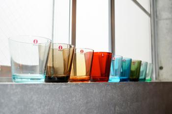 ミニマムでシンプルなスタイルが好まれるといわれる北欧では、そのデザインも然り。日本でも人気のガラスメーカー「iittala(イッタラ)」など、上品な佇まいは見惚れてしまうほどです。