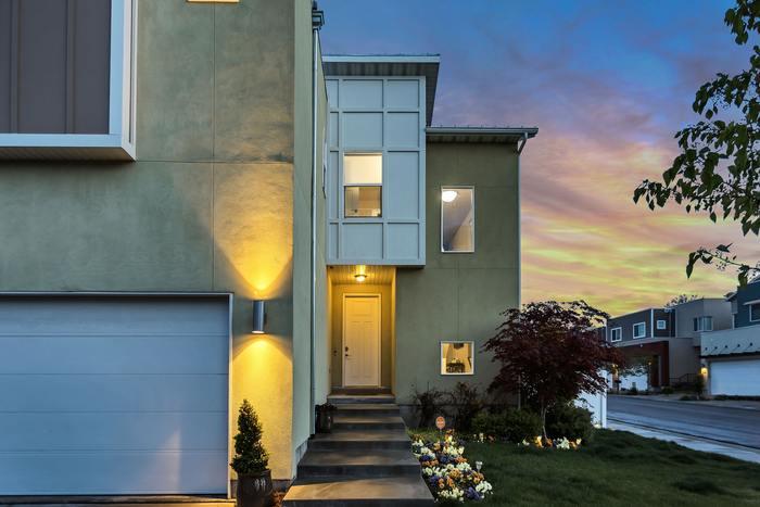理想の暮らしを想像してみたことはありますか?損得だけでは割り切れないのが住処の問題。お家を買うべきか、賃貸に住み続けるべきか。 購入するにしても一軒家かマンションか。新築か中古か…などたくさんの選択肢があって迷ってしまいます。
