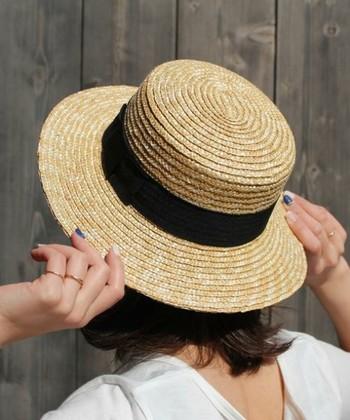 """コーデに一気に季節感が増す""""夏のハット""""。お気に入りのハットが一つあるだけで、いつものコーデもいろいろな印象に様変わりします。お手持ちのワードローブと上手に組み合わせて、涼しげな装いを楽しんで下さいね。"""