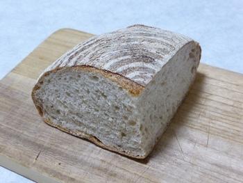 カンパーニュは素朴で深い味わいを楽しめる、全粒粉とライ麦のパンです。