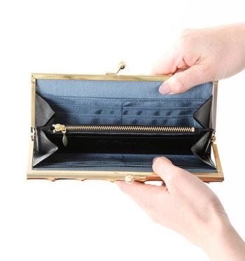 ポケットが豊富なので、カードや領収証などもしっかり収納できる機能性が嬉しいお財布です。がま口ならではの間口の広さも使いやすいポイントですよね。