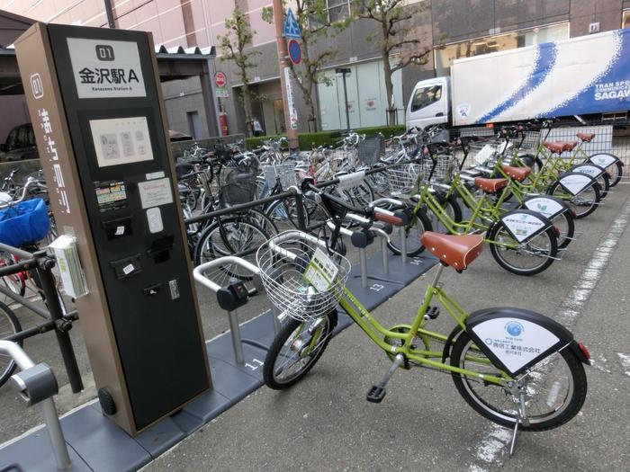 「まちのり」は、誰でも手軽に自転車をシェアできるシステムです。まちのり事務局のほか、金沢市内の21ヶ所のポートで自転車の貸し出しと返却ができます。基本料金は1日200円とリーズナブル。時間制の追加料金ですが、30分以内なら無料で利用できるそうですよ♪
