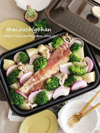 ホットプレートを持っている人は、バーベキュースタイルもおすすめ。材料はカット、そしてお肉は下味を付けておけば準備完了です。ライブ感もあって、熱々をみんなで囲んで食べられるのでパーティーには喜ばれますよ!インスタ映えさせるにはカラフルなお野菜選びがカギになります。