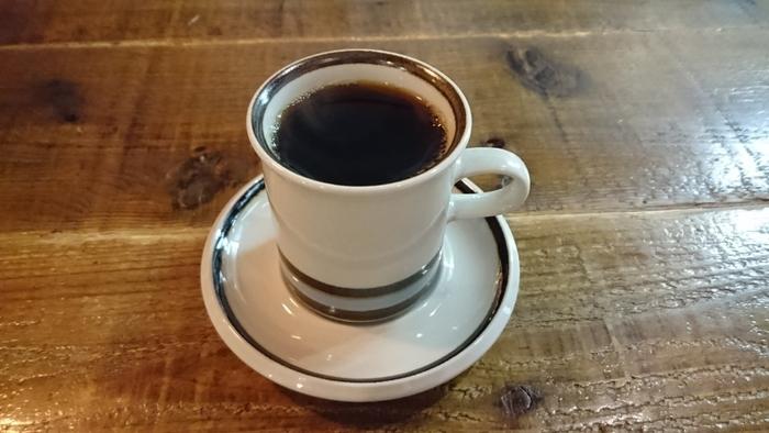 自家焙煎のコーヒー専門店なので、オリジナルブレンドのほか、こだわりのコーヒーを飲むことができますよ。「雨ブレンド」や「檸檬ブレンド」などの、お店にちなんだメニューも♪