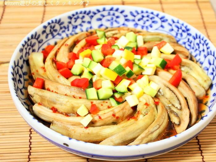 蒸し料理なんてめんどくさい・・・という方でも、レンジでチンして調理するだけで作れちゃうのでおすすめです。お好みで彩の良い野菜を添えて完成です。